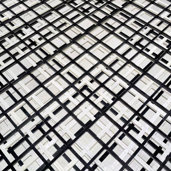 """Andreas Zimmermann, """"Grid"""", c-print auf Aludibond in grauer Schattenfuge, 2012, 128 cm x 128 cm, Auflage 5+2AP"""