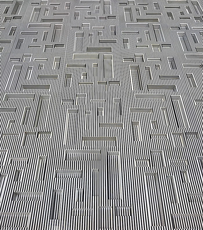 ndreas Zimmermann, stripes, 2015, c-print on Dibond, 166 x 128 cm